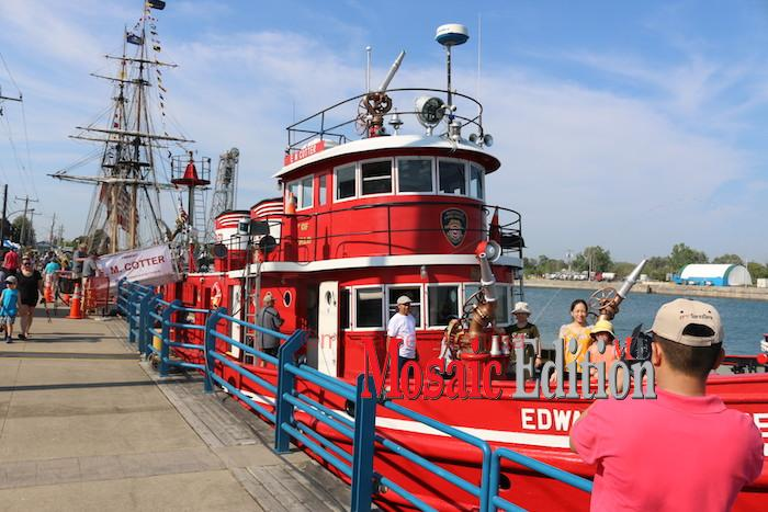 Fireboat - EM Cotter -Canal Days Maritime Heritage Festival Port Colborne 2018 - mosaicedition.ca-ea