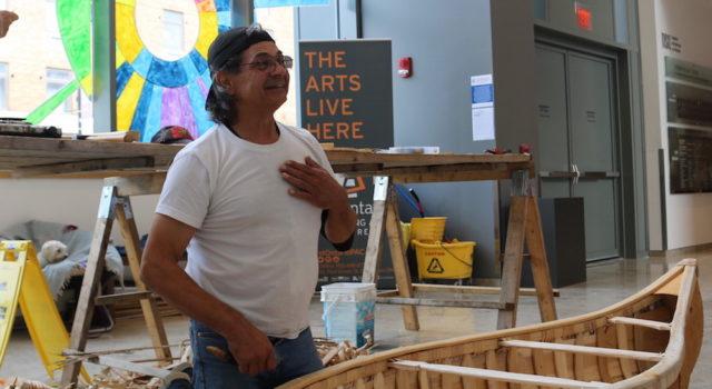 Chuck Commanda builds the Birch Bark Canoe – Indigenous symbol of reconciliation - mosaicedition.ca-ea
