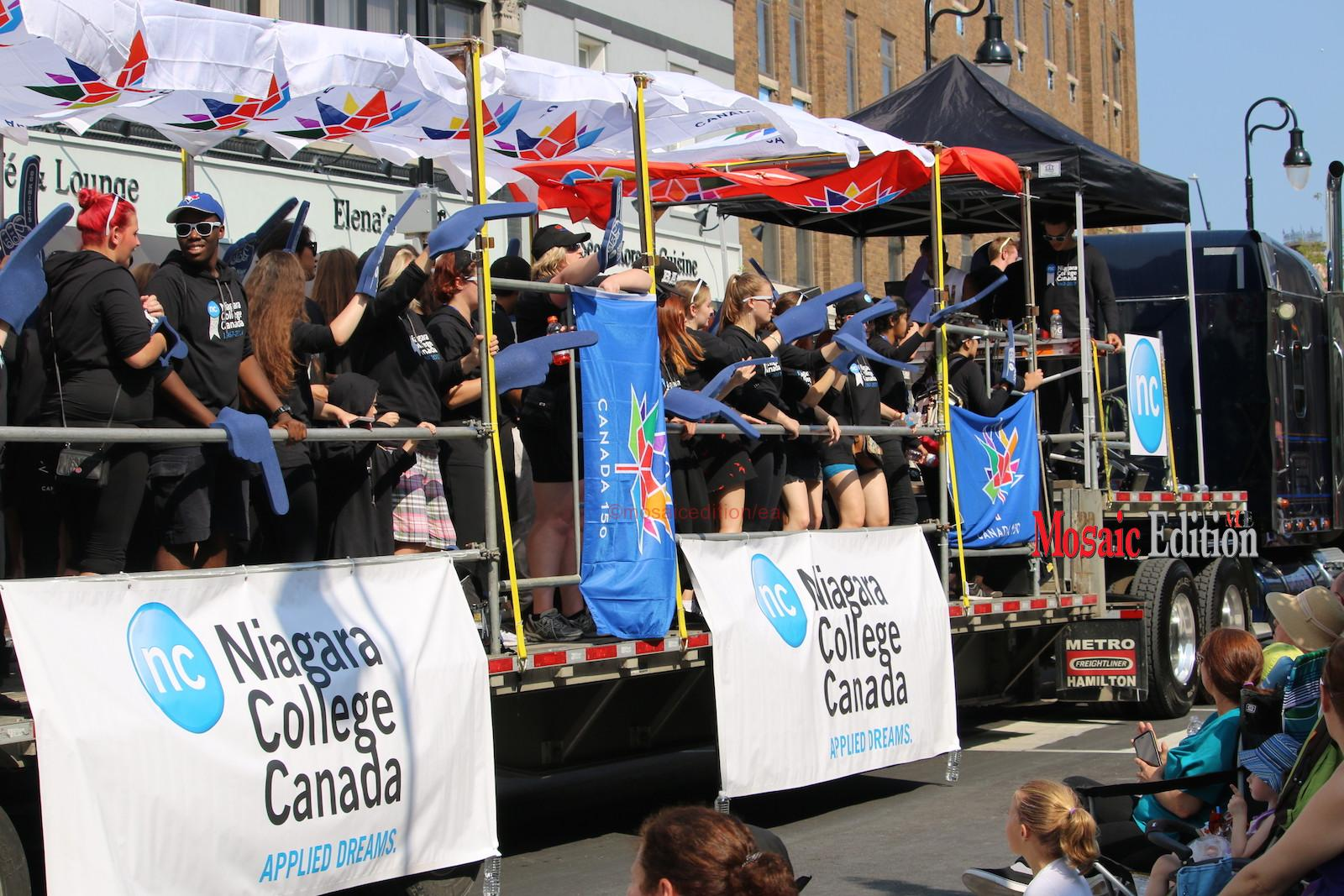 Niagara Grape & Wine Festival Meridian Grande Parade- Niagara College. mosaicedition.ca -ea